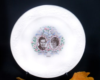 Vintage (1981) commemorative plate Royal Wedding of Charles and Diana. Decorated by Creemore China & Glass.