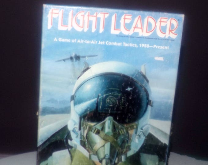 Vintage (1986) Flight Leader military board game made by quality game publisher Avalon Hill. Complete and in EXCELLENT! condition.