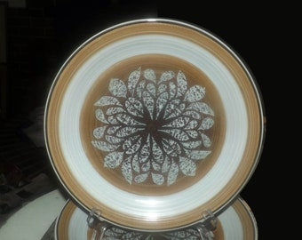 Vintage (1970s) Franciscan England Nut Tree large stoneware dinner plate. Made in England. Sold individually.