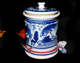 Vintage (1990s) Delfts Blond Amsterdam hand-painted blue-and-white coffee or tea canister with vacuum-seal lid. Made in Holland.
