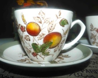 Vintage (1960s) Alfred Meakin Hereford pattern tea set (flat cup with matching saucer).  Country kitchen fruit and botanicals.