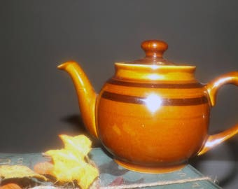 Vintage (1960s) Sadler England 2-cup | tea-for-two | mini | personal Brown Betty teapot.  Caramel with dark brown stripes.  Classic!