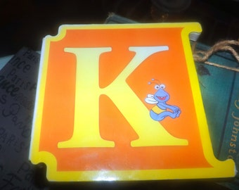 Vintage (1997) CTW Sesame Street Letter K: K is for Kisses. Oscar the Grouch book. ABCs Muppets Reader's Digest Young Families. Italy import