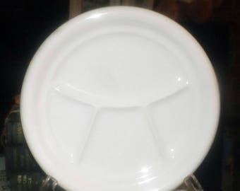 Vintage (1960s) Pagnossin Italy Treviso all-white divided luncheon plate.