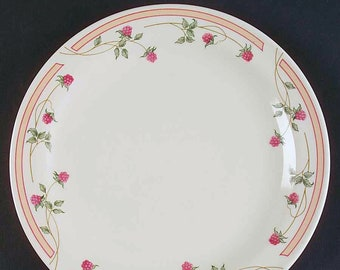 Vintage Gibson | Gibson Designs It's the Berries pattern salad or side plate.  Red bundles of berries on the vine, pink and peach band.