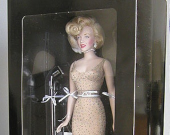 Vintage (1999) Franklin Mint Marilyn Monroe doll. NIB with COA. Sings Happy Birthday Mr. President. Unopened, limited-edition release.