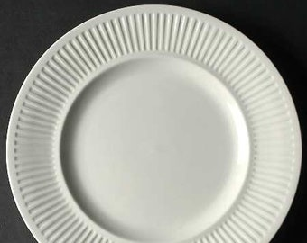 Vntage (1960s | 1970s) Johnson Brothers Athena White classic ironstone ribbed dinner plate.