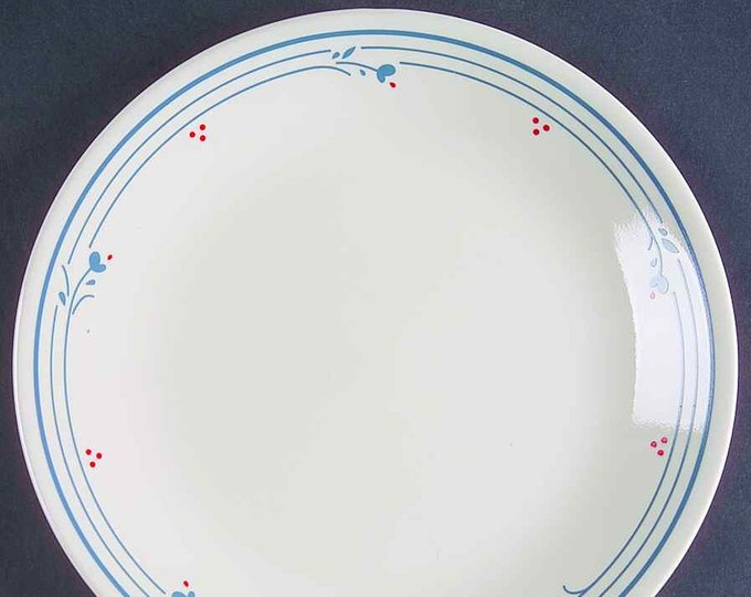 Vintage (1970s) Corelle | Corningware Country Violets salad | side plate.  Made in USA.