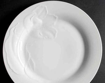 Vintage (1987) Studio Nova Japan Tulip White 2051 all-white large dinner plate | charger. Embossed tulips, smooth edge. Minor flaw.