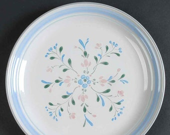 Vintage (1980s) Yamaka Fascino hand-painted large dinner plate made in Japan. Blue, green bands, pink and blue florals.