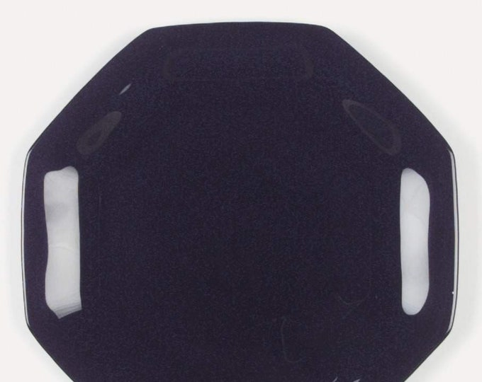 Vintage (late 1980s) Arcoroc | Arcopal | Luminarc Novoctime Black all-black glass dinner plate. Octagonal shape, all black glass.