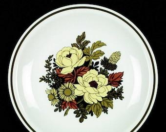 Vintage (1970s) Grindley Mayflower 70s flower-power dinner plate. Great retro tableware made in England. Satin White ironstone.