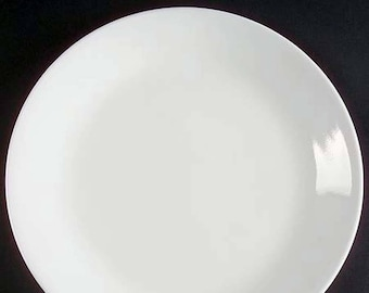 Vintage (1970s) Corelle | Corning | Corningware USA Winter Frost dinner plate. All white, coupe shape.