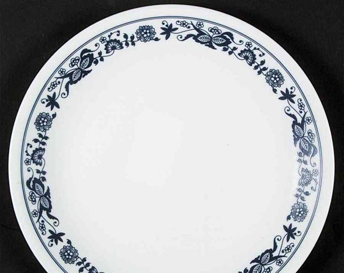 Vintage (1980s) Corelle | Corning | Corningware USA Old Town Blue dinner plate. Blue-and-white floral band.