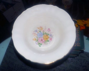Early mid-century (1947) Sovereign Potters Barbara Ann 880-47 rimmed vegetable serving bowl. Multicolor center florals, gold edge.