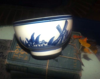 Vintage (1960s) Delftware   Delft Blawu small rice or cranberry serving bowl. Hand-painted windmill birds boats.