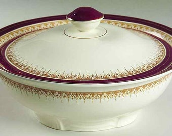 Early mid-century (1940s) Alfred Meakin Royal Wembley covered vegetable bowl | tureen. Maroon band, 18-karat gold filigree and edge.