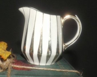 Early mid-century (1940s) Sadler England hand-decorated gold swirl | gold luster creamer | milk jug. Marked 3002 to base.