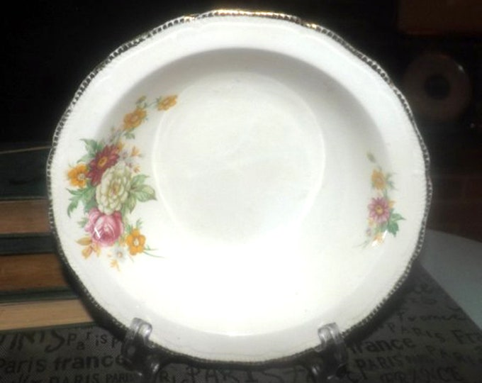 Early mid-century Royal Swan   Booths & Colclough Riverdale rimmed vegetable serving bowl made in England.
