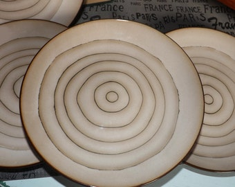 Vintage (1996) Cuisinart Dinnerware Micro | Rings pattern large, coupe-shape salad or side plate.  Concentric brown rings.