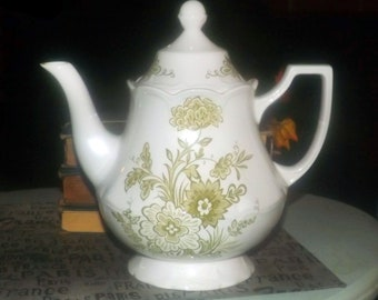 Vintage (1970s) J&G Meakin } Royal Staffordshire Hathaway Green transferware tall teapot with lid. Made in England.