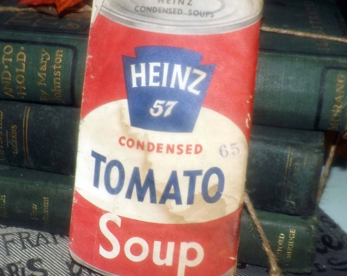 Mid-century (1953) Heinz 57 can-shaped condensed tomato soup recipe book | booklet with illustrations. Leamington Ontario.
