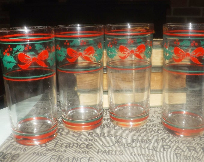 Set of 4 vintage Christmas Tumblers. Etched-glass holly, bows berries. Made in USA by Anchor Hocking.