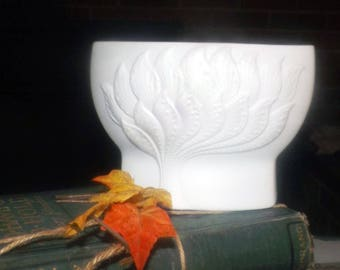 Vintage (1970s) Kaiser Germany large porcelain bisque indoor planter | urn.  High-relief | majolica | embossed florals, tree, bush.