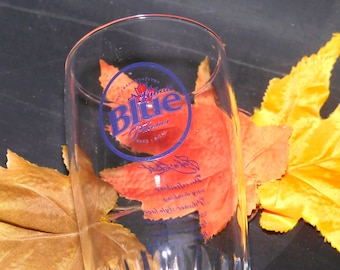 Vintage (1980s) Labatt Blue John Labatt Signature pint glass. Etched-glass branding, ribbed base.