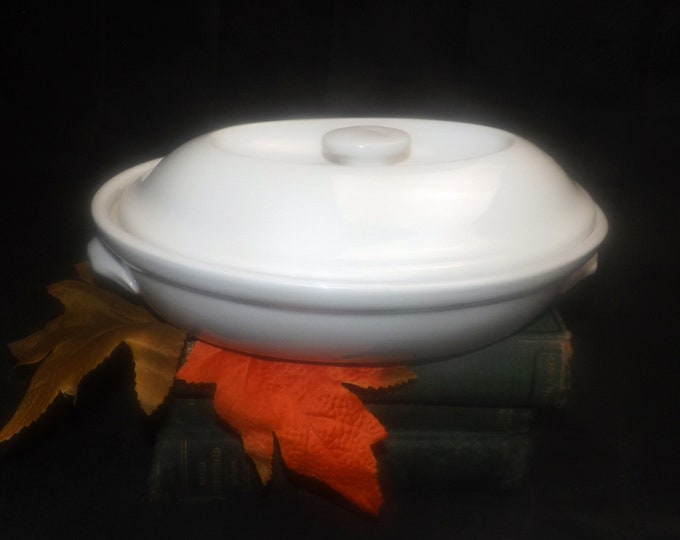 Royal Worcester Classic White all-white covered oval entree dish | baker. Oven to table. Made in England.