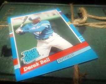 Vintage (1991) DonRuss baseball card #32 Derek Bell RR Outfield Toronto Blue Jays.