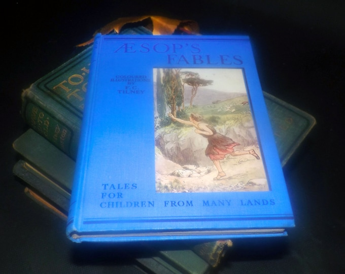 Vintage (1938) Aesop's Fables hardcover book. Classic children's literature published J.M. Dent & Sons New York. Complete with dust jacket.