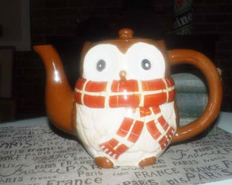 Vintage Chilly Billy figural owl teapot made exclusively for Pier 1 imports.