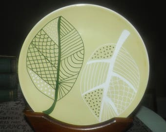 IKEA Overens pattern salad plate made in Portugal. Green and white leaves on lime ground, coupe shape. Retired 2012.