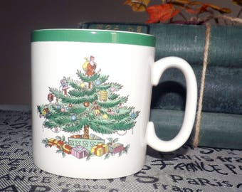 Vintage (1980s) Spode Christmas Tree S3324 coffee | tea mug. Decorated Christmas tree, sprigs of green holly, red berries, green edge