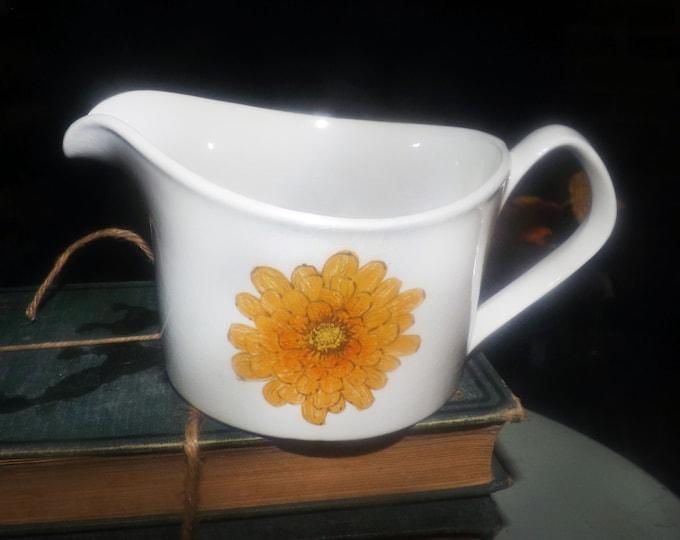 Vintage (1960s) Johnson Brothers Australia Snowhite Regency Chrysanthemum hippie flower power gravy   sauce boat.