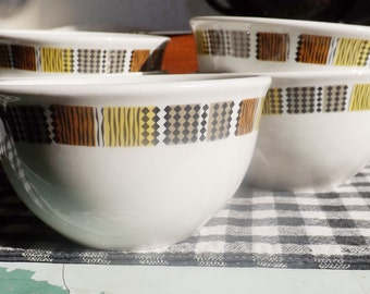 Set of 5 vintage (1970s) Steelite   Royal Doulton Hotelware Carnaby-style cereal bowls. Black, brown, & yellow squares   geometrics.