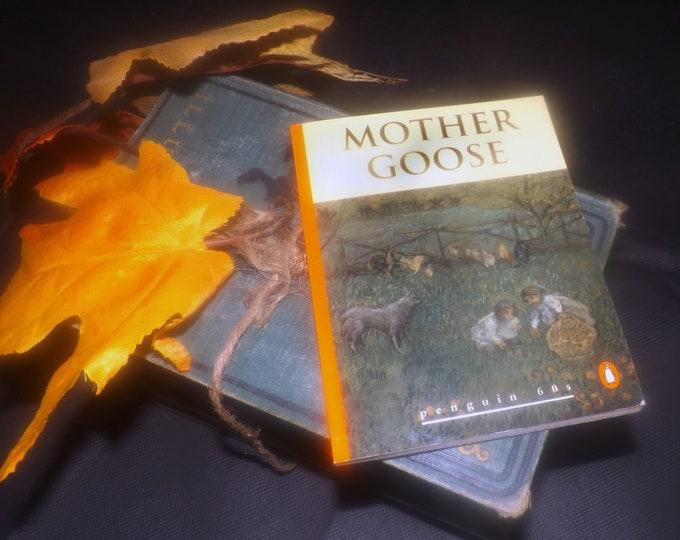 Vintage (1995) paperback mini book Mother Goose Nursery Rhymes. Penguin 60s Classics.