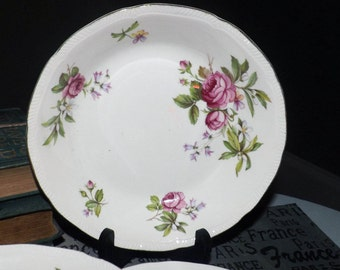 Quite vintage (late 1930s) Ridgway Summer Glory cereal, soup, or salad bowl. 22-karat gold, scalloped edge.  Pink rose blooms.