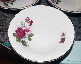 Mid-century (1950s) Ridgway Rougemont cereal, soup, or salad bowl. 22-karat gold edge, swirled verge. Red roses & pink flowers.