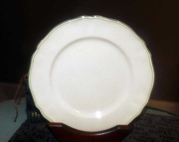 Early mid-century (1945) Alfred Meakin England MEA384 dinner plate. Green band, cream ground, platinum edge.