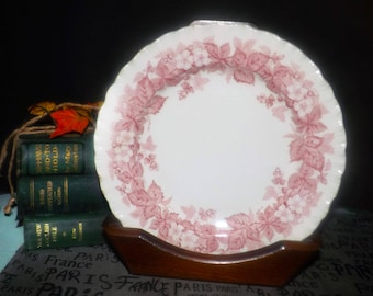 Vintage (1960s) Wedgwood Bramble Pink salad or side plate. Pink | red transferware florals, embossed shell edge. Queen's Ware line.