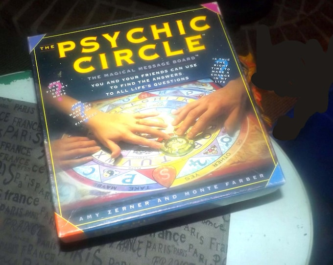 Vintage (1993) Psychic Circle Ouija | magical message board game based on the best-selling books by authors Amy Zerner and Monte Farber.