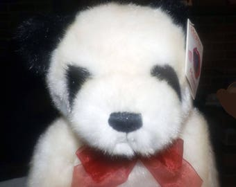Vintage Gund (1998) 46210 Make-a-Wish Foundation Panda teddy bear. Heart-shaped gift box. Sold by Peoples Jewelers in Canada. Charity Bear