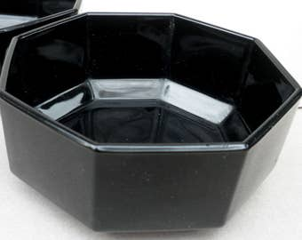 Vintage (1980s) Arcoroc | Arcopal | Luminarc Octime all-black glass soup, cereal, or salad bowl. Octagonal shape, all-black glass.
