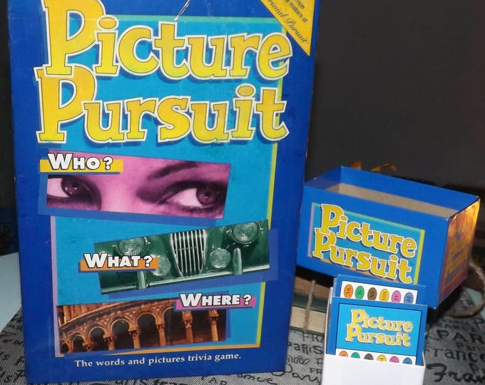 Vintage (1994) Picture Pursuit board game published by Parker Brothers.  Image trivia game.  99% complete.