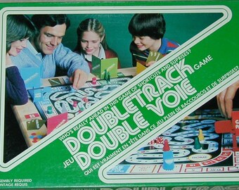 Vintage (1981) Doubletrack board game. Labrynth or maze game. Milton Bradley. Complete.