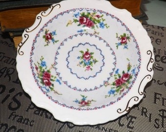 Quite vintage (1930s) Royal Albert Petit Point nut, bon bon, candy, cranberry or sweetmeats dish. Embossed gold, ruffled edge.