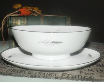 Mid-century (1950s) Easterling Germany Ceres   Kora   Ceralia gravy boat with attached under-plate. Grey wheat sheaves, platinum edge.