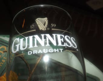 Vintage (1990s) Guinness Draught Harp pint glass.  Etched-glass type and harp logo. Sold individually.